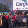 Los trabajadores de la empresa de aceite Cargill protestan por el cierre de las plantas en la comunidad andaluza que afecta a más de un centenar de trabajadores de las provincias de Cordoba y Sevilla