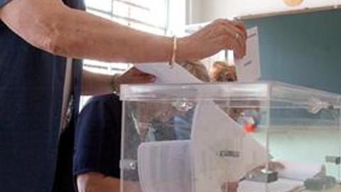 -25MARZO- A las 14:00 horas ha caído la participación en las elecciones andaluzas cerca de 10 puntos con respecto a los comicios de 2008