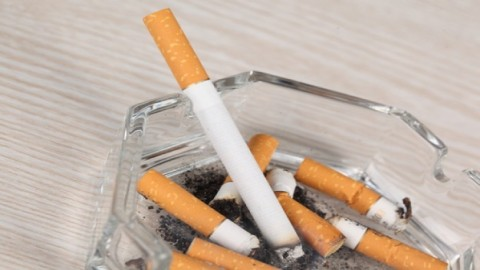 El alto precio de las cajetillas y las políticas anti-tabaco animan a los andaluces a dejar de fumar