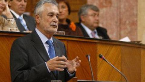 José Antonio Griñán anuncia en su discurso de investidura un plan de choque contra el desempleo y otro contra la exclusión social