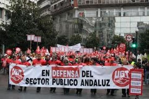 Los agentes sociales llaman  al boicot frente a los recortes sociales y laborales
