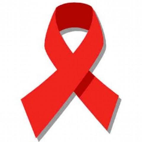 300 organizaciones que trabajan el VIH/Sida en España se concentran para denunciar su precaria situación