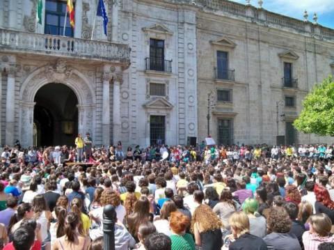 Las universidades sevillanas estudian comenzar el próximo curso con nuevos paros en rechazo a los recortes