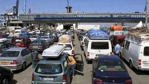 La afluencia de personas en la Operación Paso del Estrecho es menor este año debido a la coincidencia con el Ramadán