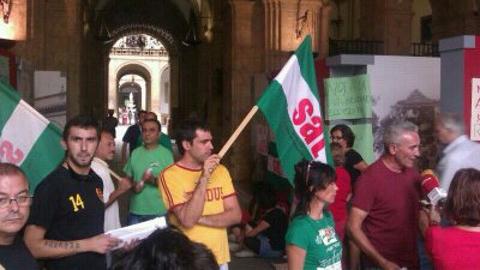 Delegados del Sindicato Andaluz de Trabajadores ocupan el Rectorado de la Univesidad de Sevilla