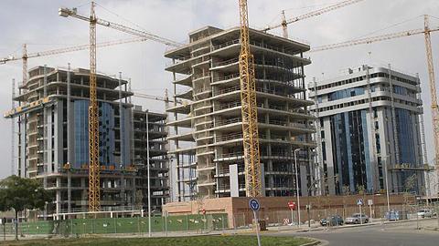 Sindicatos, empresarios y colegios profesionales crean la Plataforma en Defensa del sector de la Construcción en Andalucía