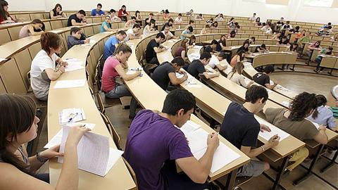 Los rectores de todas las universidades públicas hacen público un Manifiesto conjunto en respuesta a los recortes en el ámbito universitario
