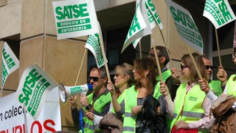 El Sindicato de Enfermería, SATSE Andalucía, pone en marcha una campaña para pedir la restitución de la paga extra de navidad a los empleados públicos
