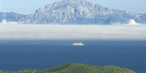 El parque natural del Estrecho de Gibraltar edita una guía de buenas prácticas ambientales para alertar y sensibilizar a los empresarios sobre el impacto de sus actividades ecónomicas