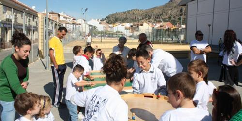 La Asociación de Drogodependencias de la localidad de Pizarra organiza talleres formativos sobre la vertiente negativa y positiva del juego