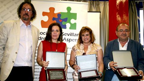 La Asociación Sevillana de Síndrome de Asperger reconoce la labor del Ayuntamiento de San Juan de Aznalfarache por su apoyo a la asociación y su colaboración con la labor formativa y de divulgación sobre este trastorno