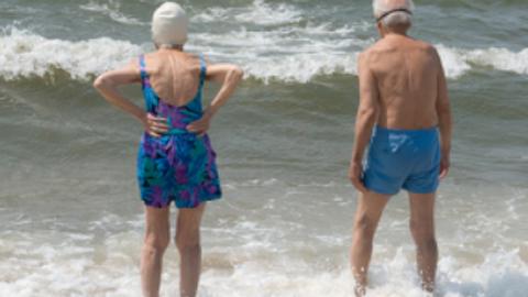 Los mayores con movilidad reducida de la localidad gaditana de Algeciras disfrutarán de la ampliación del servicio de traslado a playas