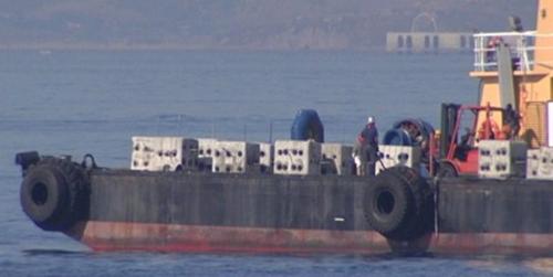 Los pescadores de La Línea de la Concepción piden ayuda para retirar los bloques de hormigón de Gibraltar que les dificultan faenar