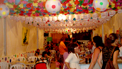 El municipio sevillano de La Puebla de Cazalla disfruta este fin de semana de sus fiestas populares con un amplio abanico de actividades