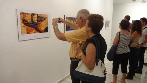 José Manuel Delgado expone su muestra fotográfica «Latidos de un Pasado» sobre la Cuenca Minera de Riotinto en el Museo Vázquez Díaz del municipio onubense de Nerva