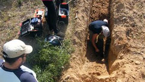 La Asociación para la Recuperación de la Memoria Histórica comenzará a finales de mes la exhumación de una fosa común en el municipio gaditano de Alcalá del Valle