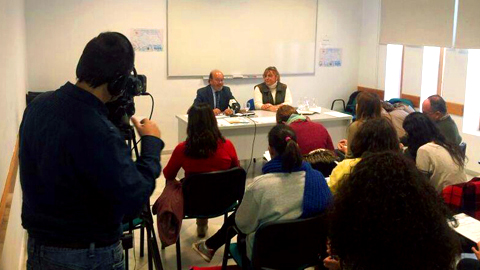 """SEMINARIO CULTURA GITANA (EMA-RTV): Las Asociaciones Gitanas apelan a la responsabilidad del periodismo, para que ser """"gitano"""" no sea noticiable"""