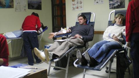 Las unidades móviles del Centro Regional de Transfusión Sanguínea de Granada llegan al municipio de Benalúa en su campaña de Navidad
