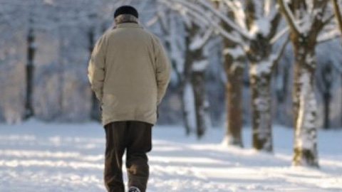 Las personas mayores de la provincia de Granada recibirán consejos para evitar los efectos del frío para la salud a través de una campaña informativa de la Diputación Provincial