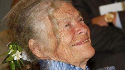 Las Medallas de la Ciudad de Coín serán entregadas el próximo Día de Andalucía a personas y colectivos relacionados con el ámbito de la cultura como son la pintora Annette Deletaille, la Fundación García Aguera y la peña Romeros de Miravalle