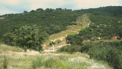 Al menos 10 personas encuentran empleo gracias a dos proyectos que contemplan actuaciones forestales en la zona del Monte Umbría de Santa Fe del término municipal de El Ronquillo