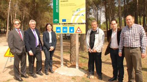 El Plan de Choque por el Empleo se refleja en el arreglo de tres caminos rurales en Atarfe con el objetivo de mejorar la accesibilidad a diversas explotaciones agrarias de la zona
