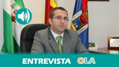 «Necesitamos que el Gobierno de la nación y la Junta de Andalucía flexibilice los plazos para devolver las deudas acumuladas por gobiernos anteriores y estar al corriente de las nóminas», Juan Manuel Valle, alcalde de Los Palacios y Villafranca