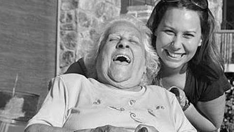 Las personas mayores de 60 años de Aracena ya pueden inscribirse en el programa municipal de voluntariado para mayores para dedicarse a mejorar el bienestar de otras personas