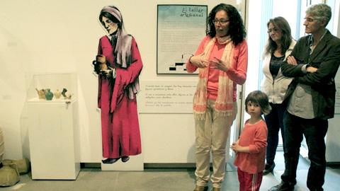 """La exposición """"Morón, un milenio del Reino de Taifa"""" se mantendrá en la Casa de la Cultura del municipio sevillano hasta el 16 de mayo"""
