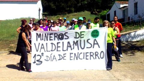 Los mineros de Valdelamusa, pedanía de Cortegana, vuelven a reclamar empleo local en las instalaciones de Minas de Aguas Teñidos y suman ya más de dos semanas de encierro