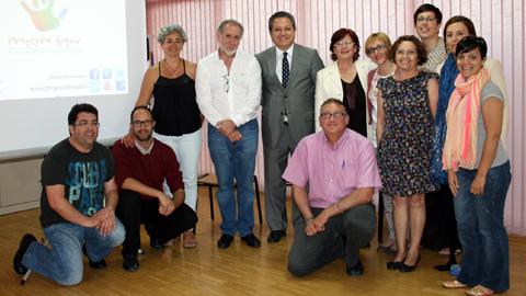 Parlamentarios andaluces del PSOE y el PP conocen de primera mano las propuestas de transformación de Palma Palmilla que el vecindario reclama desde 2011 en el marco del Plan Comunitario Proyecto Hogar