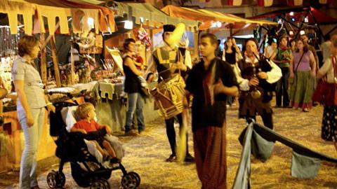 Morón de la Frontera finaliza una nueva edición de su Mercado Medieval tras varios años sin organizarse, con un resultado positivo por la gran afluencia de público y la buena acogida de la iniciativa por parte de los vecinos