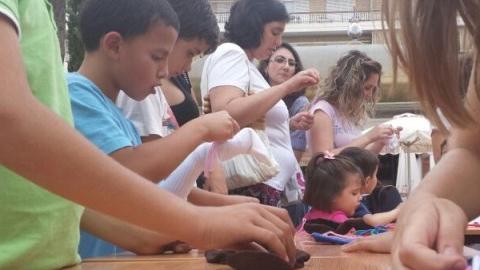 Con motivo del Día Mundial de Medio Ambiente, los niños y las niñas de Morón aprenden más sobre los beneficios del reciclaje textil y los efectos del cambio climático, en unas jornadas desarrolladas por la Fundación Pueblo para Pueblo