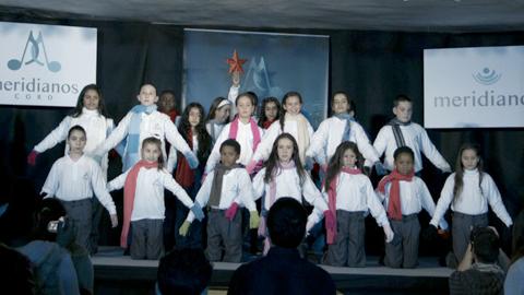 El Coro Meridianos, integrado por niños y niñas del Polígono Sur, protagoniza hoy jueves 12 de junio a las 18:30 en la sede del Comisionado un concierto basado en canciones y coreografías de diferentes culturas del mundo