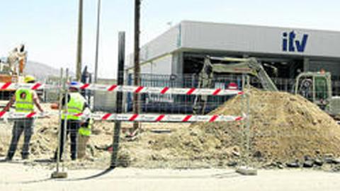 """Comienzan las obras de urbanización del nuevo polígono """"Los Naranjos"""", que convertirá a Huércal de Almería en referente comercial del cinturón metropolitano almeriense"""