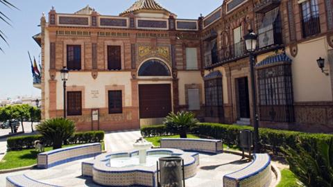 """Paradas incluido dentro de la ruta cultural 'El color en la arquitectura vernácula: Serranía Suroeste Sevillana', que se encuentra englobada en el proyecto """"Rutas Culturales de Andalucía"""""""