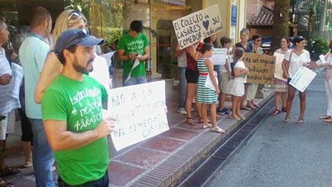 Vecinos y vecinas de Casares organizan un calendario de actos en protesta por la privatización del comedor escolar del colegio Blas Infante