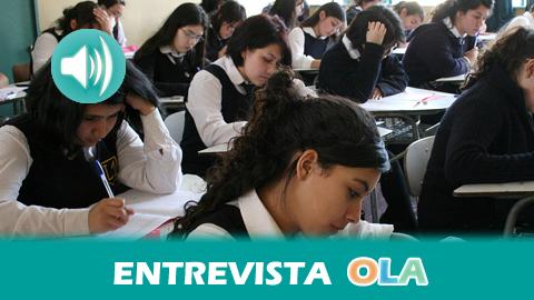 «Hay sectores que apuestan por una reforma educativa superficial que favorezca a empresas interesadas en hacer negocio con la educación», Danilo Aravena, chileno residente en España