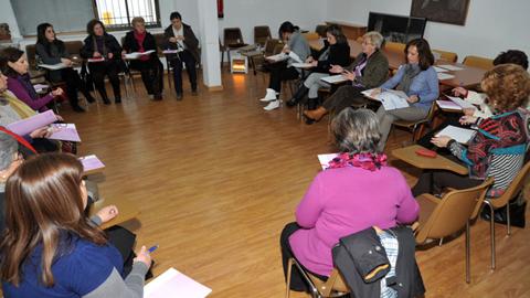 El Consejo Local de la Mujer de Martos se reúne hoy con el objetivo principal de poner en común y diseñar las líneas de trabajo a seguir durante el próximo trimestre