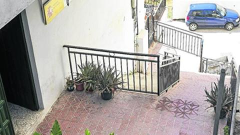 Debido a las malas condiciones de las actuales instalaciones, la Guardia Civil de Albuñol se instalará en una ubicación provisional a la espera de que se desbloquee la situación judicial del nuevo cuartel