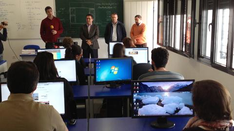 15 personas comienzan un curso de iniciación a la informática para desempleados que ha sido organizado por la delegación de Fomento Económico del Ayuntamiento de Chipiona