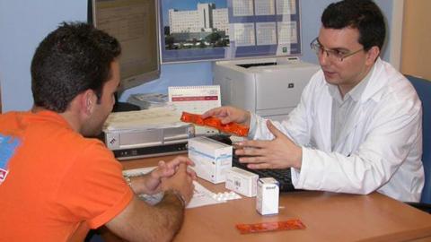La provincia de Granada mejora sus servicios sanitarios con nuevos centros de atención primaria en Benalúa, Íllora y Huetor Vega, así como la ampliación del hospital Virgen de las Nieves