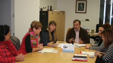 Cinco asociaciones de mujeres de la provincia de Málaga reciben una subvención de más de 12.000 euros para el desarrollo de un proyecto dirigido a la formación de jóvenes y mujeres en materia de igualdad de género