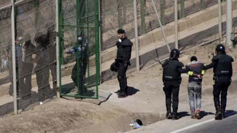 El PP limita las devoluciones en caliente a los intentos de salto en grupo en Ceuta y Melilla