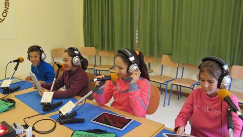 Radio Paz, una iniciativa delCEIP Manuel Sánchez Alonso de Arahal, recibe el premio al Mérito Educativo de la provincia de Sevilla 2014 como reconocimiento a su innovación y fomento de la participación