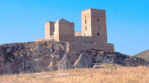 La Guardia de Jaén continua con las gestiones para llevar a cabo la rehabilitación del Castillo de la localidad, entregando al Ministerio de Fomento el proyecto para que pueda ser financiado con el programa del 1,5% cultural