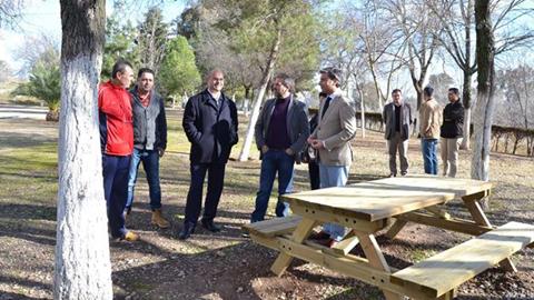 El tránsito peatonal de la vereda que llega hasta la ermita de San Pedro en El Carpio, ha sido acondicionado gracias al Programa de Actuación Integral del Valle del Guadalquivir
