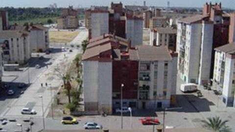 La Factoría Cultural y el centro de mayores del barrio hispalense de Polígono Sur, posibilitarán la contratación de entre 20-27 personas vecinas del lugar, según el acuerdo entre Ayuntamiento y constructoras