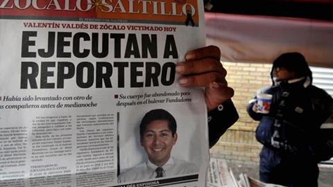En México aumentan las agresiones a periodistas, registrandose un total de  209 agresiones desde que Enrique Peña Nieto asumiera la Presidencia del Estado en 2012, según un informe publicado en 'Periodistas en riesgo'