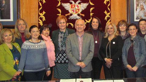 La asociación para la lucha contra el cáncer de Alhaurín el Grande, «Un sí por la Vida», tendrá nueva sede social gracias a la cesión de un local municipal que le ha proporcionado el Ayuntamiento